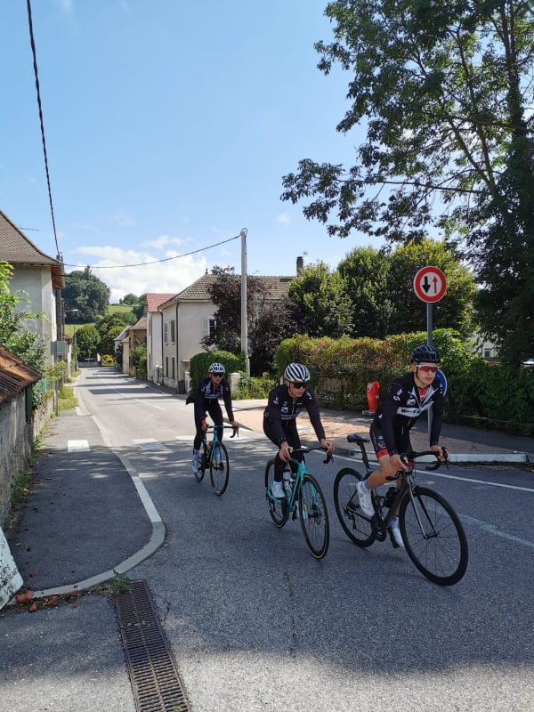 1_Equipe-BZH-a-lAin-Bugey-Valromey-Tour