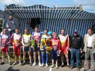 podium-1er-mai-2009.jpg